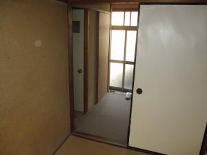 1F 和室から玄関